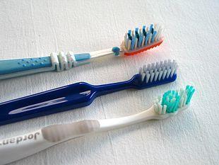 Strumenti per l'igiene orale domiciliare